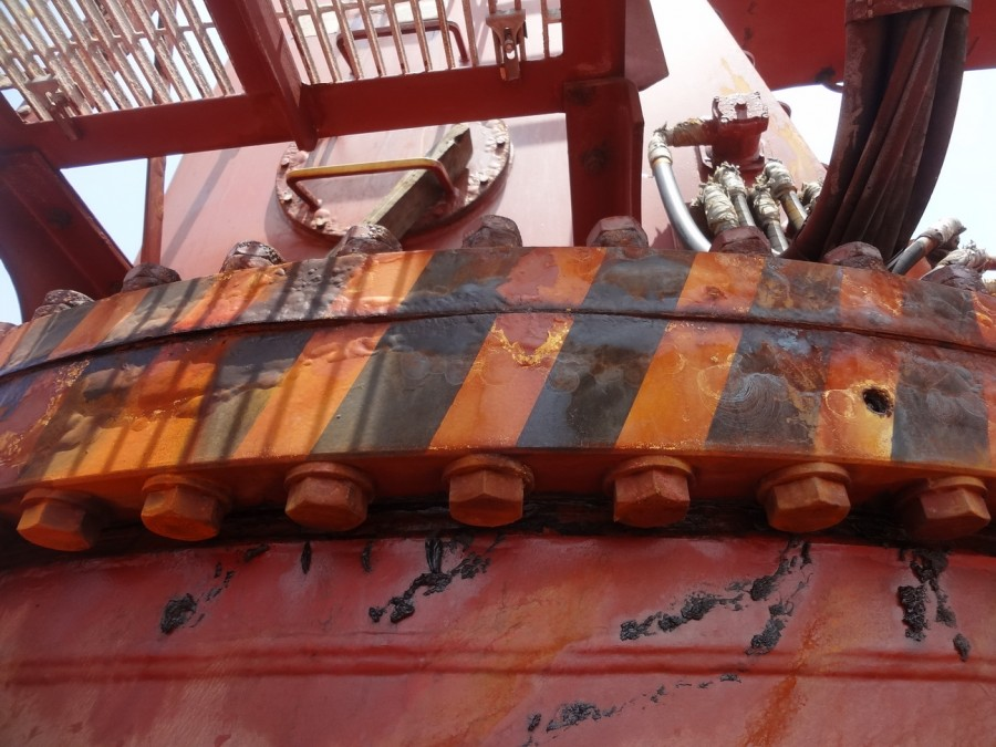 Как борются со ржавчиной на корабле. Часть 1. Ржавые ведра