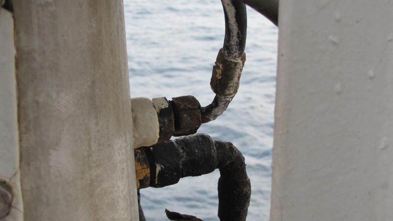 Как борются со ржавчиной на судне. Часть 2. Чистим, красим