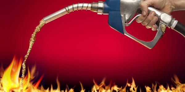 Бензин в огонь