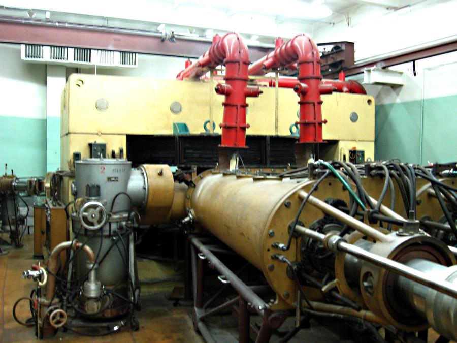 Часть циклотронной установки