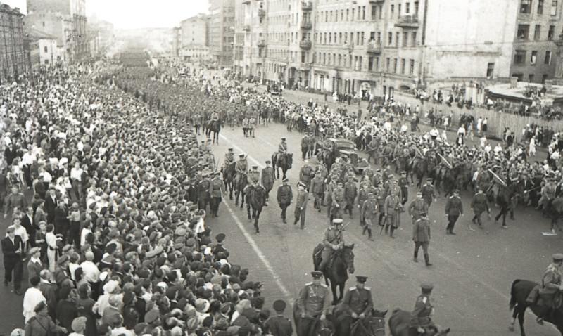 1944-03