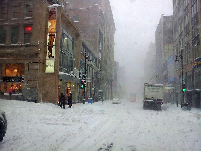 Как убирают снег в Канаде, Монреаль