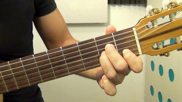 Реально ли самому научиться играть на гитаре