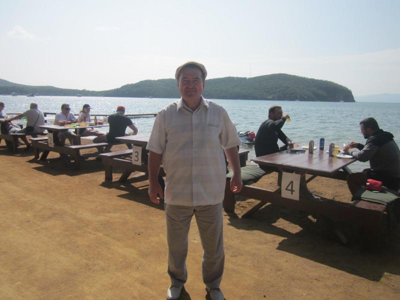 Мой муж в бухте Рында вчера