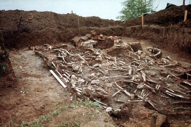 албазинский острог. раскопки. братская могила казаков