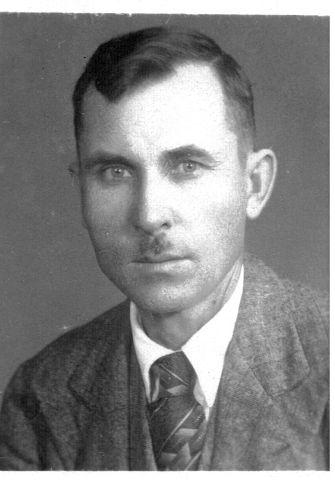 ВАСИЛИЙ  ВАСИЛЬЕВИЧ  КОРЕНЕВ  1889 - 1941 г.
