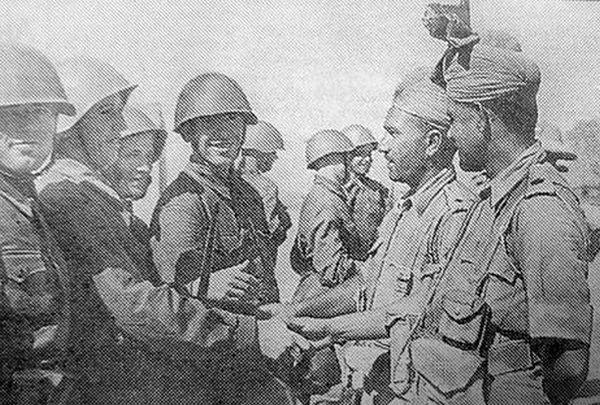 Встреча советских и британских солдат в Иране