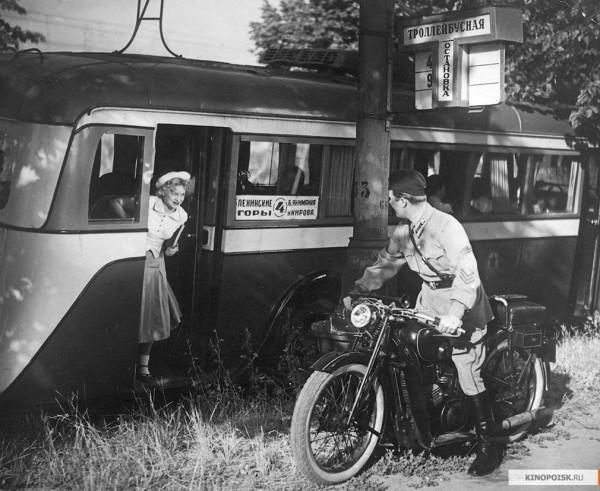 Конь педальный: как в российскую глубинку пришли велосипеды и мотоциклы?