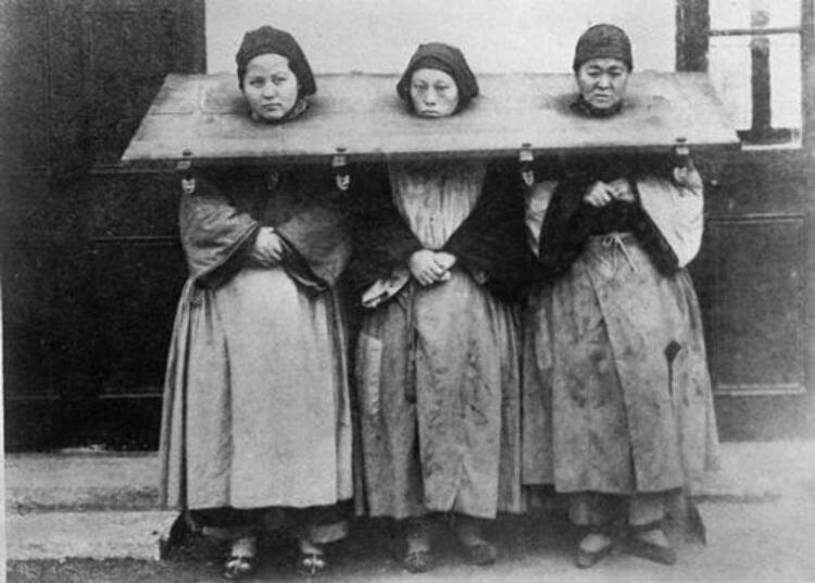 Три женщины, обвиненные в колдовстве, Китай, 1922 гг./Фото: clck.ru