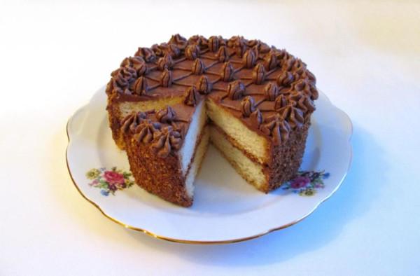 Торт Какао с кусочком.JPG