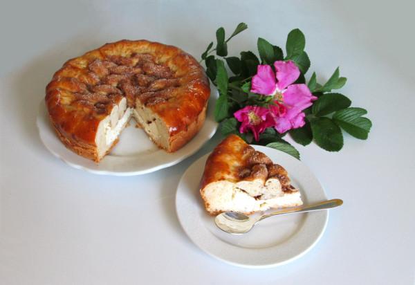 Шиповник и пирог творожный