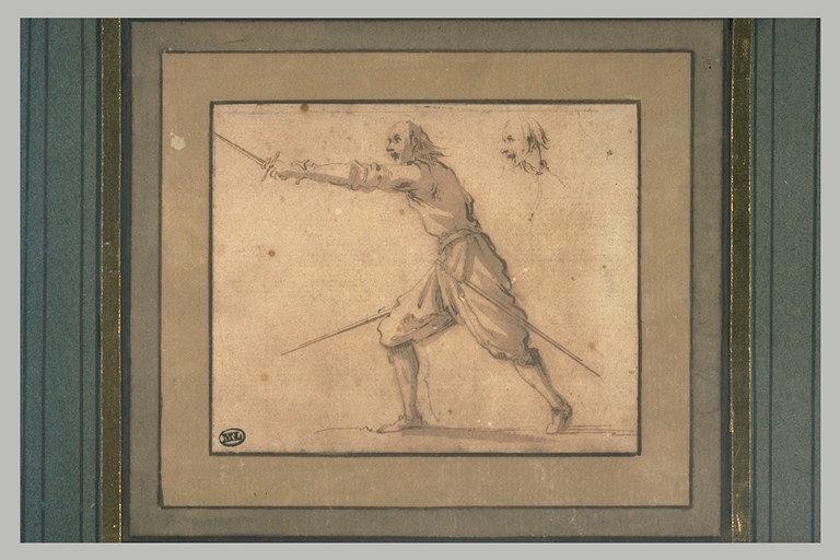 Un escrimeur se fendant à gauche, une épée dans chaque main ; une tête