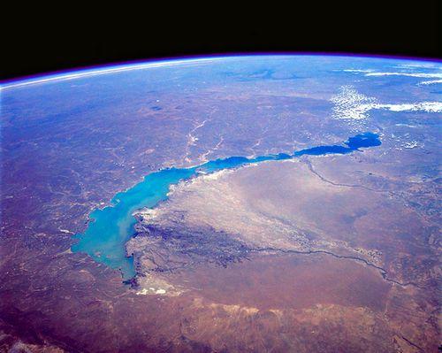 STS039-085-00E_Lake_Balkhash,_Kazakhstan_April_1991