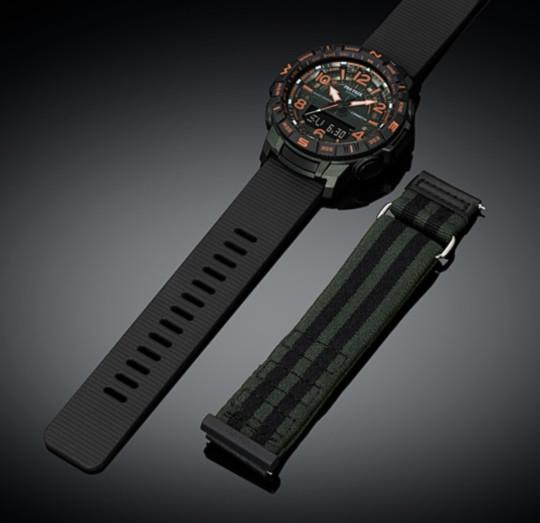 Часы для хайкинга, фирма Casio, показывают температуру воздуха, давление, высоту, расстояние, компас и ещё какие-то примочки. Размер не большой, меньше, чем G-Shock, на руке смотрятся очень аккуратно и стильно.