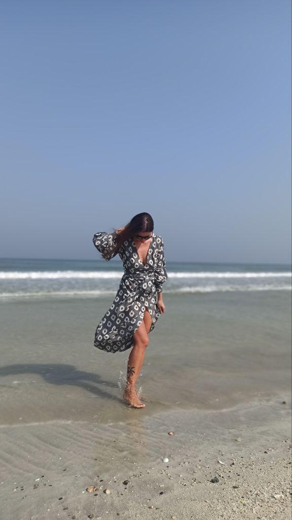 Платье фоткали сегодня на побережье в Аджмане