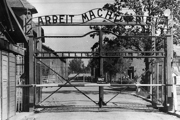 0507-Germany-Auschwitz-guard_full_600