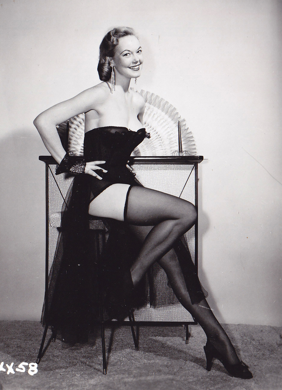 Pin-up girl Judy O'Day '1954 (NSFW)