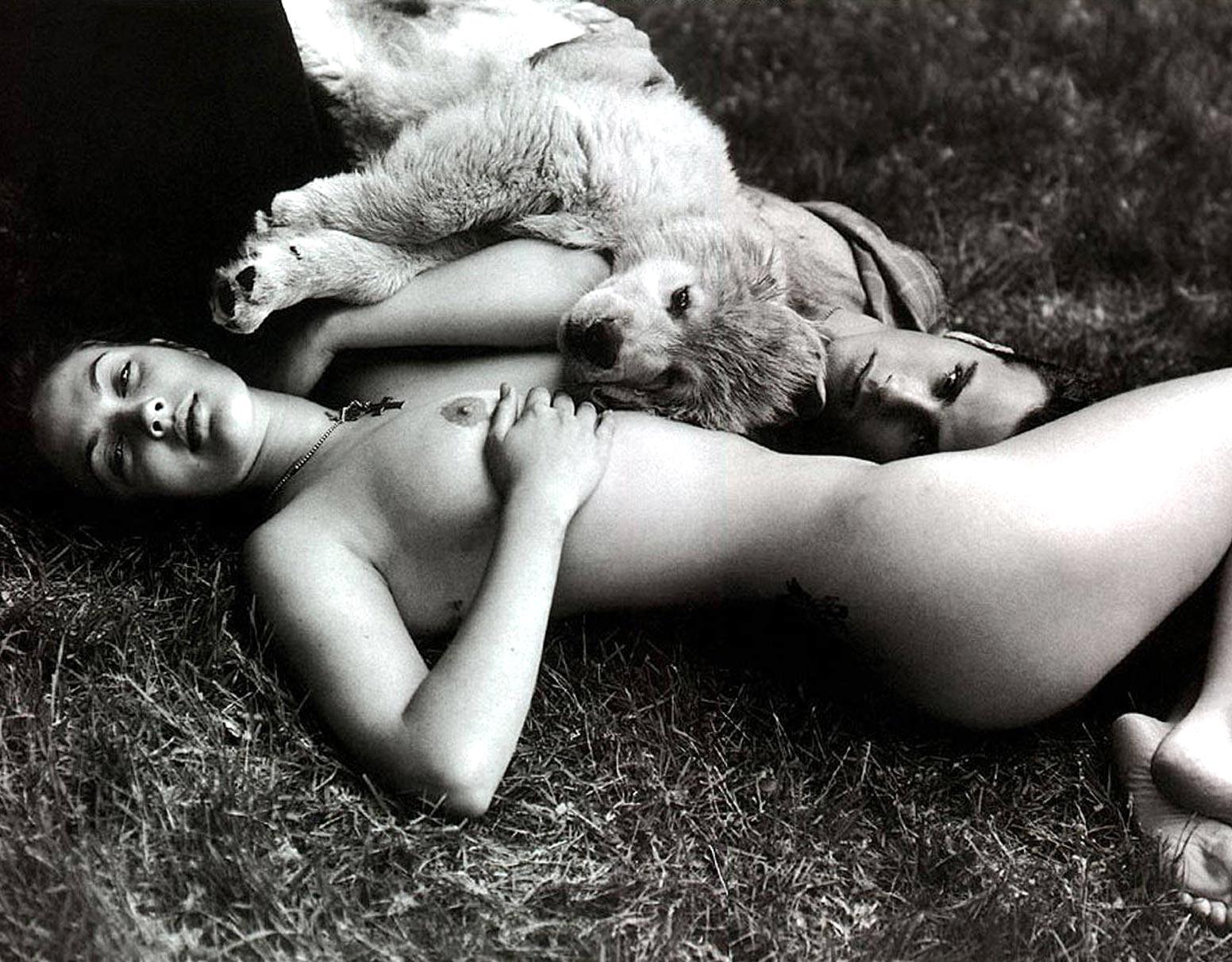 1932-skandalnye-foto-dryu-berrimor--Drew-Barrymore--ot-paparacci