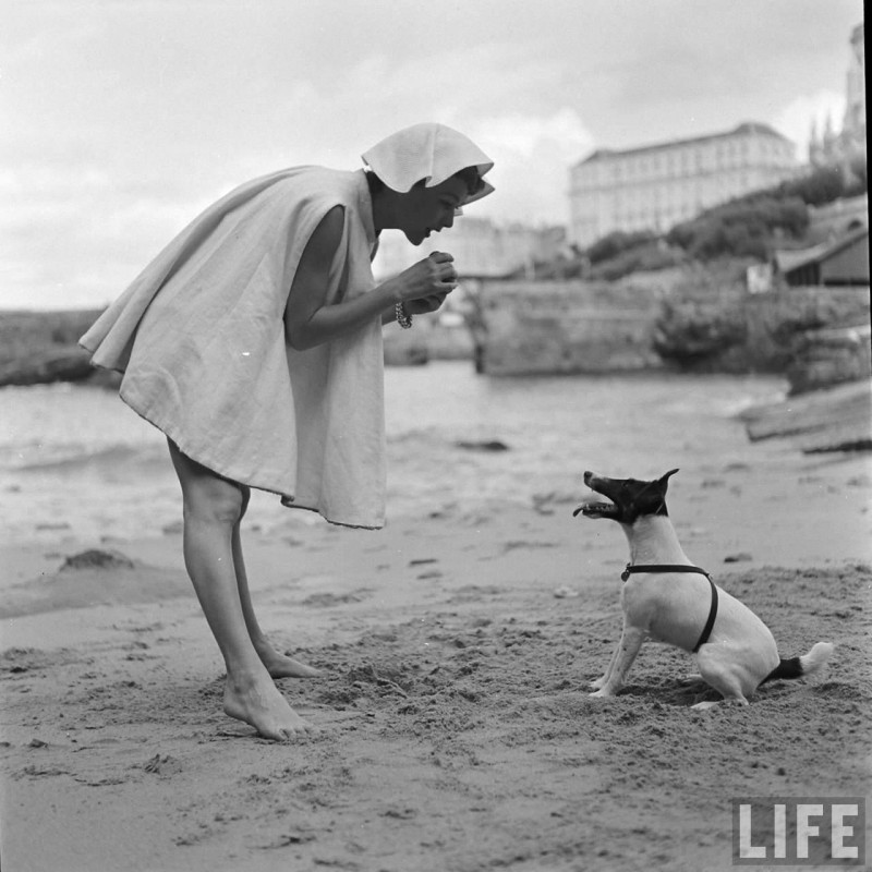 gordon-parks-beach-fashions-1