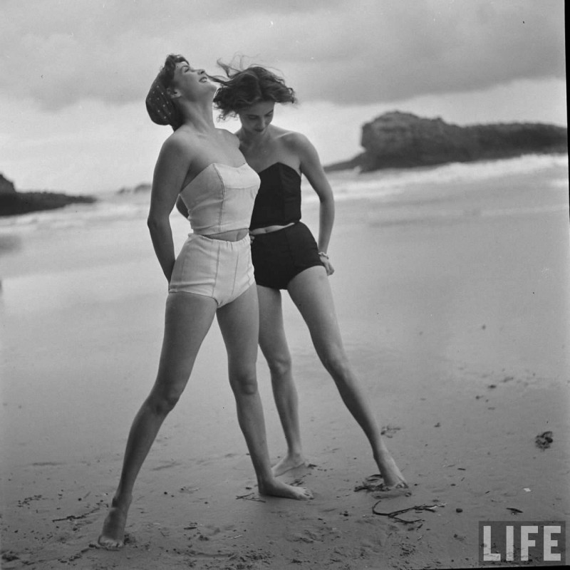 gordon-parks-beach-fashions-2
