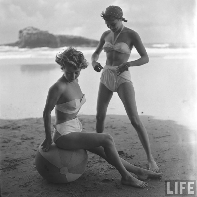 gordon-parks-beach-fashions-3