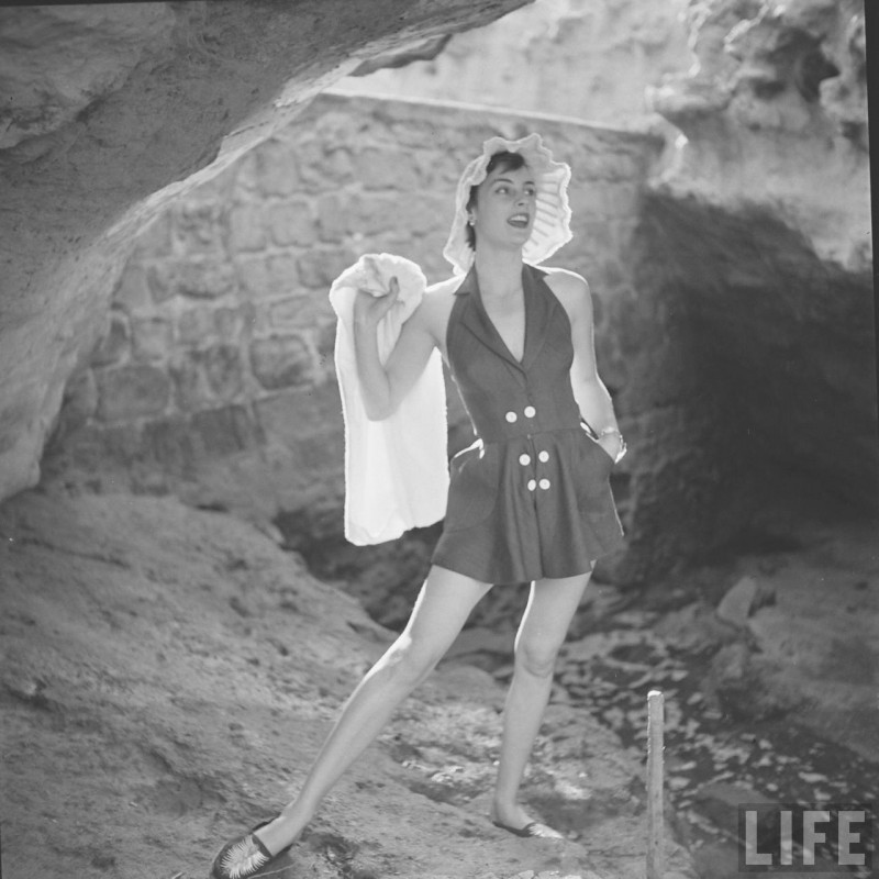 gordon-parks-beach-fashions-12