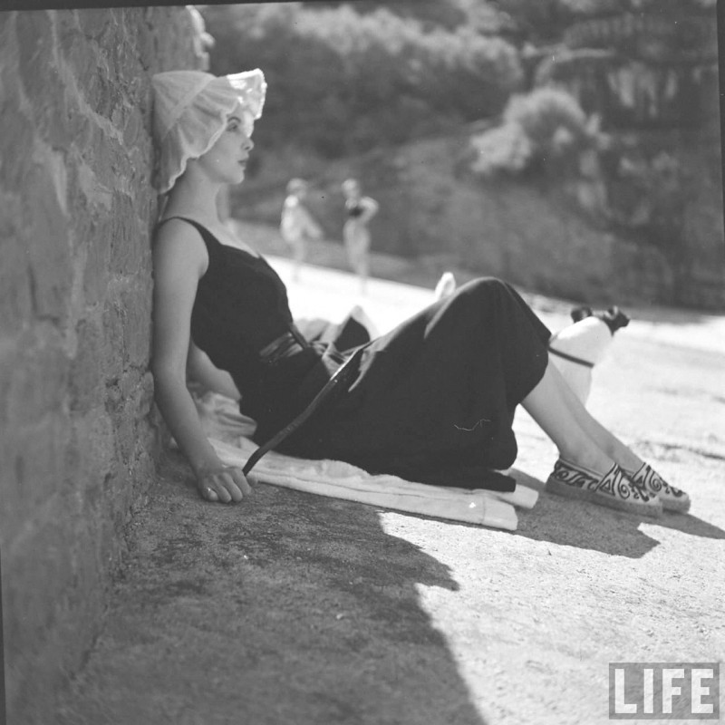 gordon-parks-beach-fashions-13