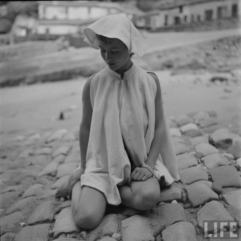 gordon-parks-beach-fashions-22