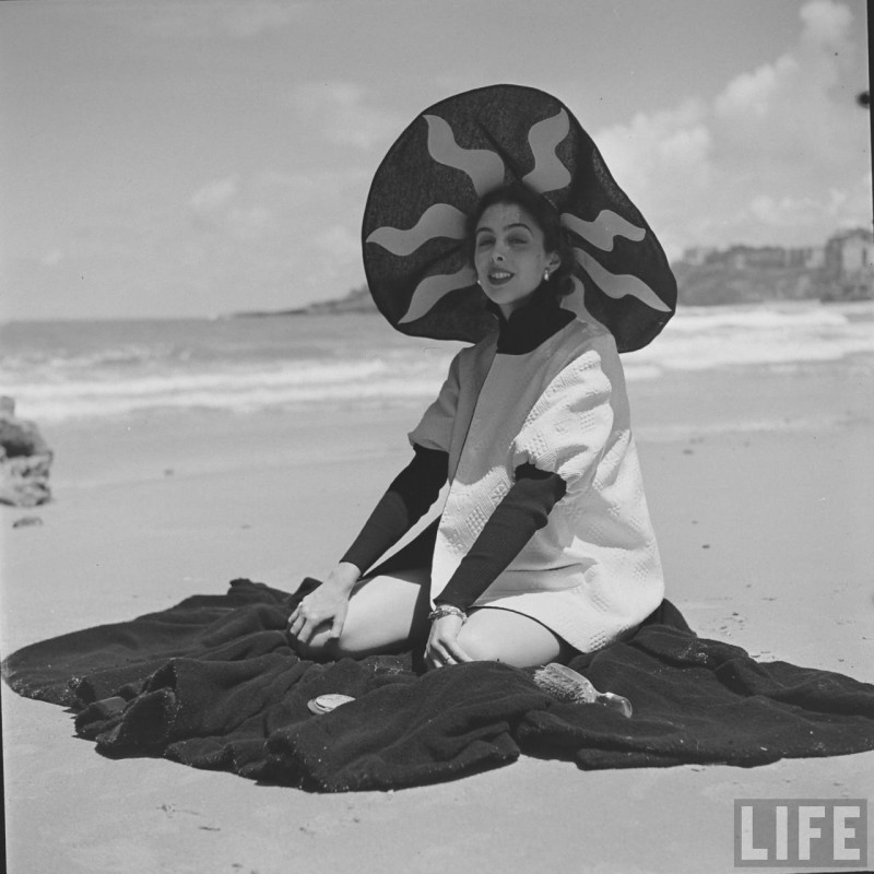 gordon-parks-beach-fashions-25