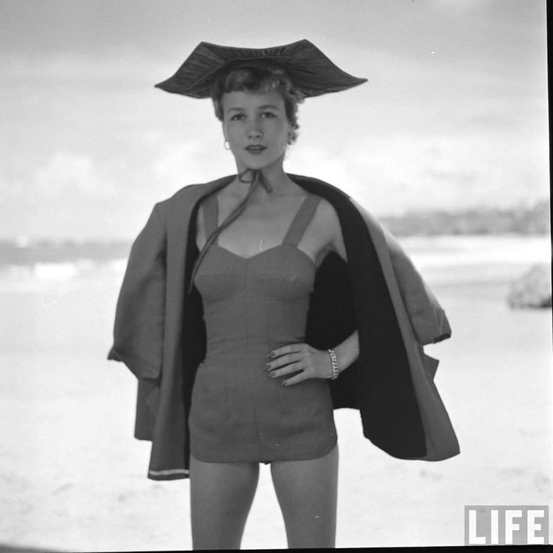 gordon-parks-beach-fashions-30