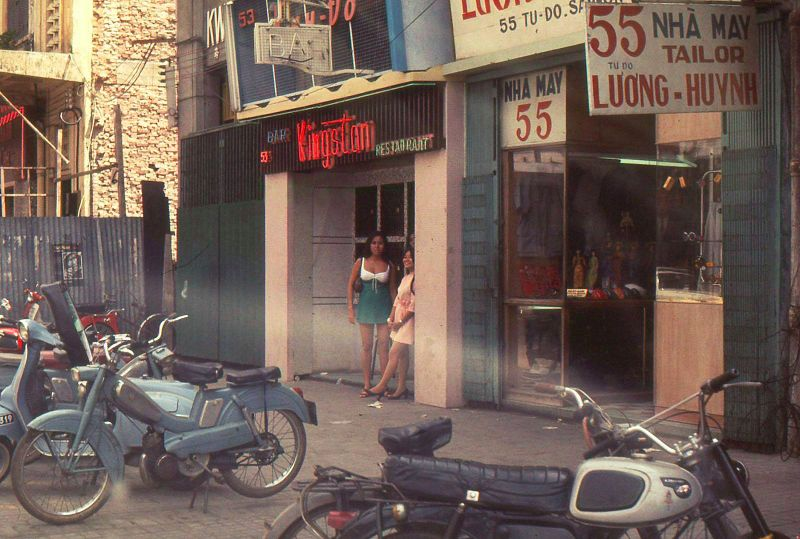 vietnamese-bar-girls-30