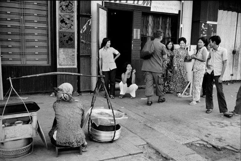 vietnamese-bar-girls-2