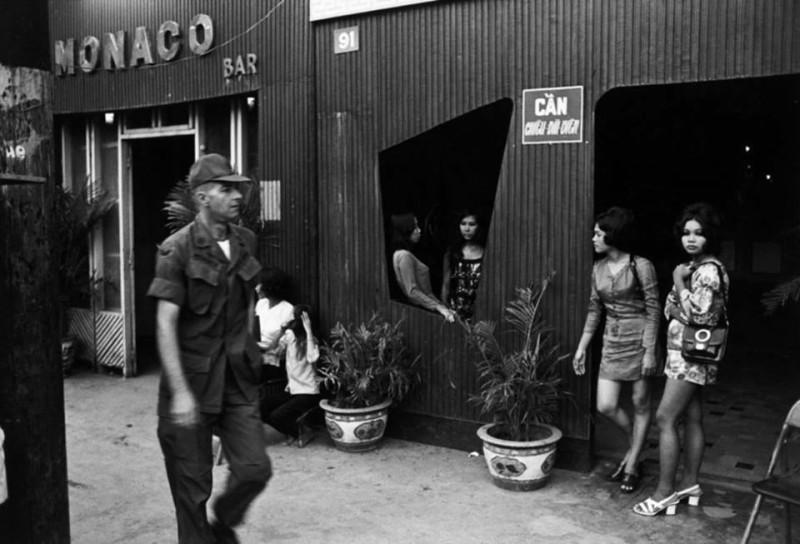 vietnamese-bar-girls-10