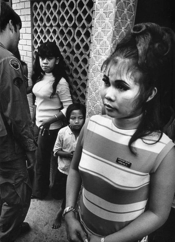 vietnamese-bar-girls-24