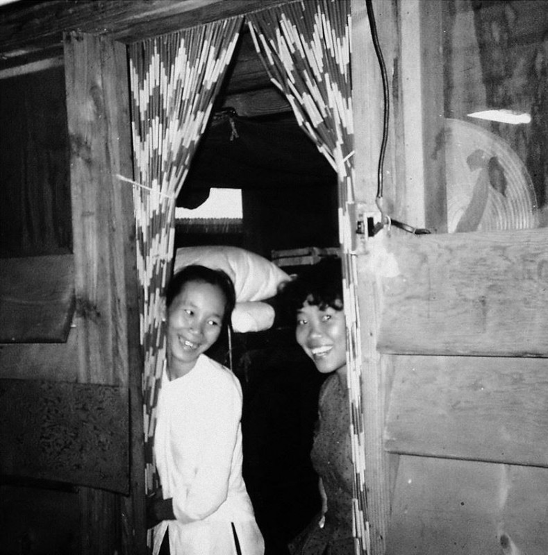 vietnamese-bar-girls-27
