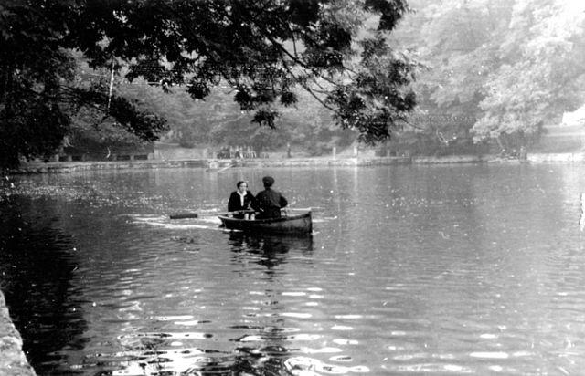 пруд.лодки