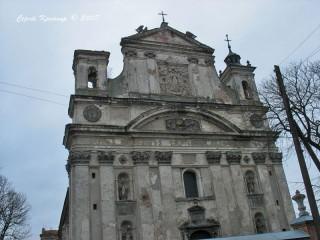 Фасад костелу Св.Трійці