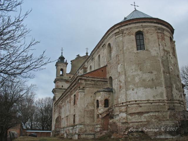 Костел Св.Трійці. Вид ззаду