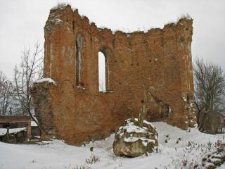 Развалины костела доминиканцев