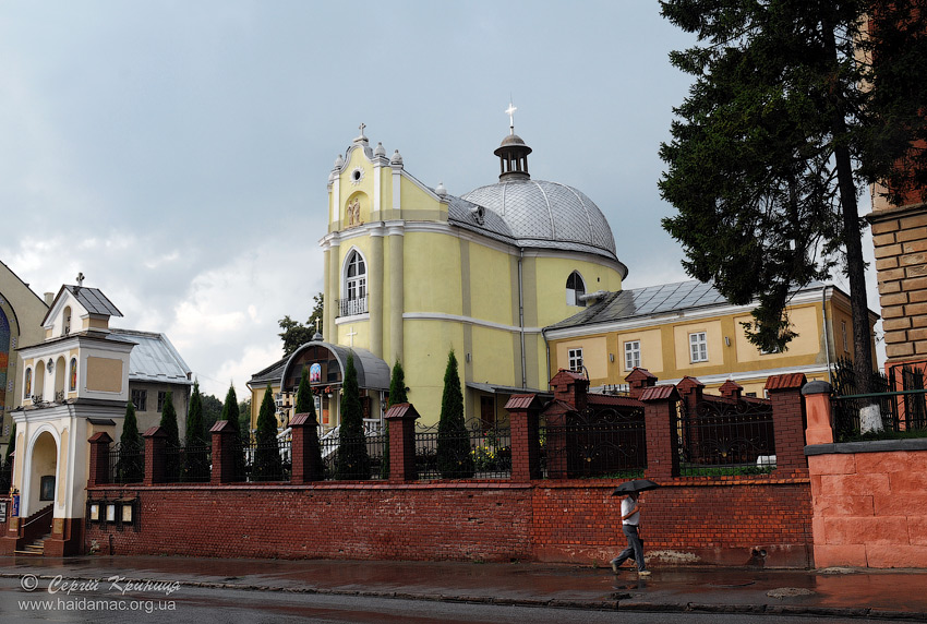 Церква св.апостолів Петра і Павла