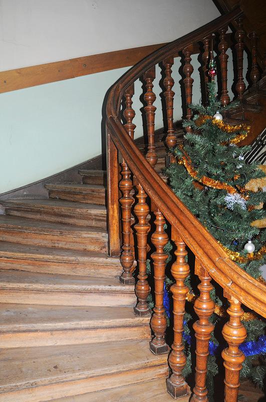 сходи на 2-й поверх