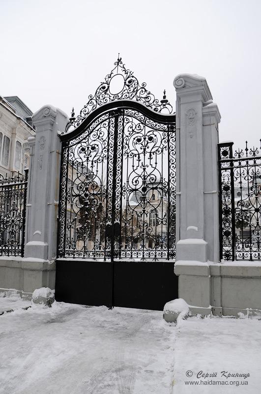 ворота палацу