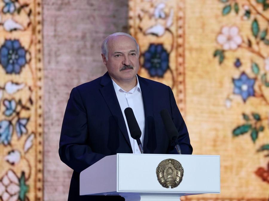 Туземный князёк: такой разный Лукашенко