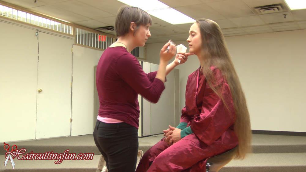 Photo From Renitas Very Long Hair To A Bob Haircut Video