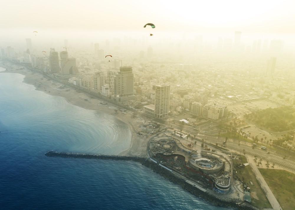 Набережная Тель-Авива, уже сносят старый заброшенный дельфинариум (сейчас его снесли)