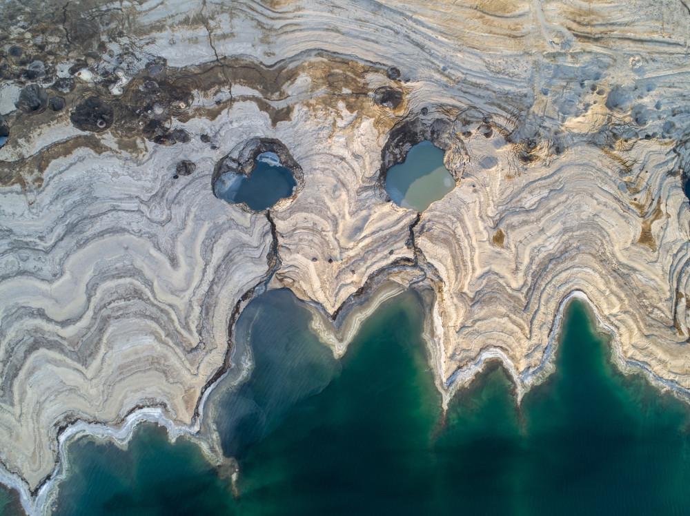 И это мёртвое море. Оно высыхает на 1 метр в год
