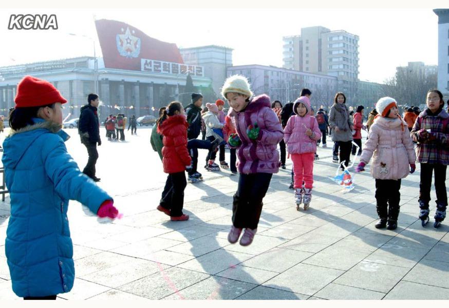 http://ic.pics.livejournal.com/hanber/45283755/866736/866736_900.jpg