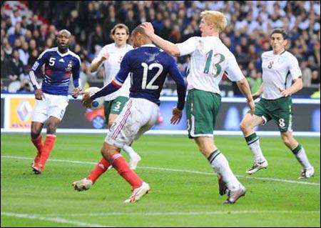 Франция - Ирландия 1:1 Анри - игра рукой