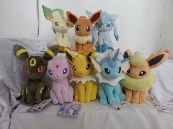 I love eevee regular plush