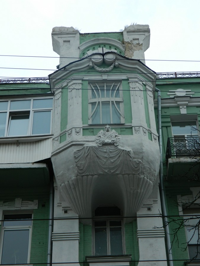 Велика Житомирська, 10 еркер